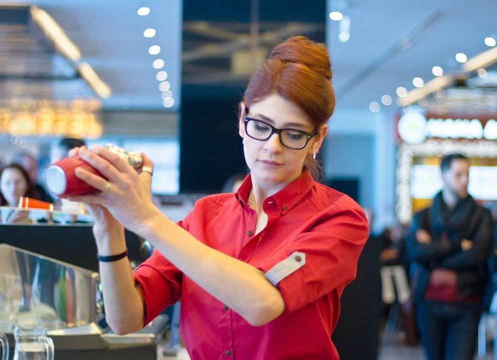 Победитель национального чемпионата Coffee in good spirits 2017 – Ольга Беланович, кофейня «ЗЕРНО»