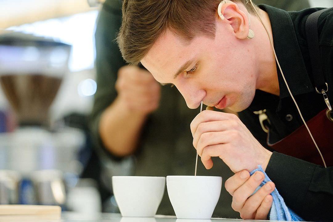 Победитель национального чемпионата Latte Art 2017 – Роман Лехнович, кофейня «26»