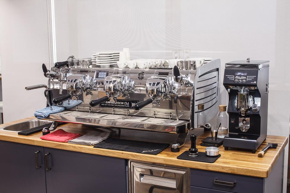 Кофемашина Victoria Arduino VA 388 Black Eagle Gravimetric