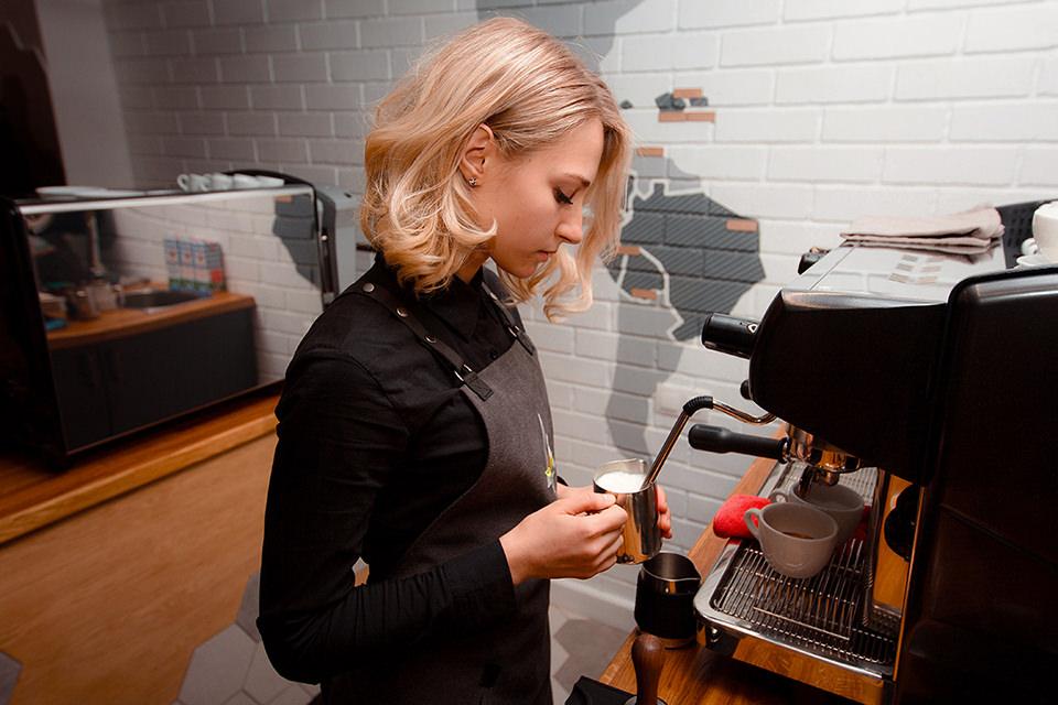 руководитель Академии кофе Андрей Габрусь. Фото: Академия кофе