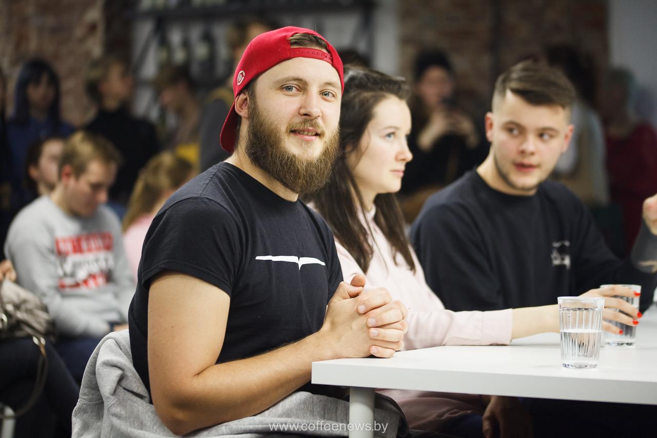 Александр Беницкий, судья на Christmas Latte Art Battle