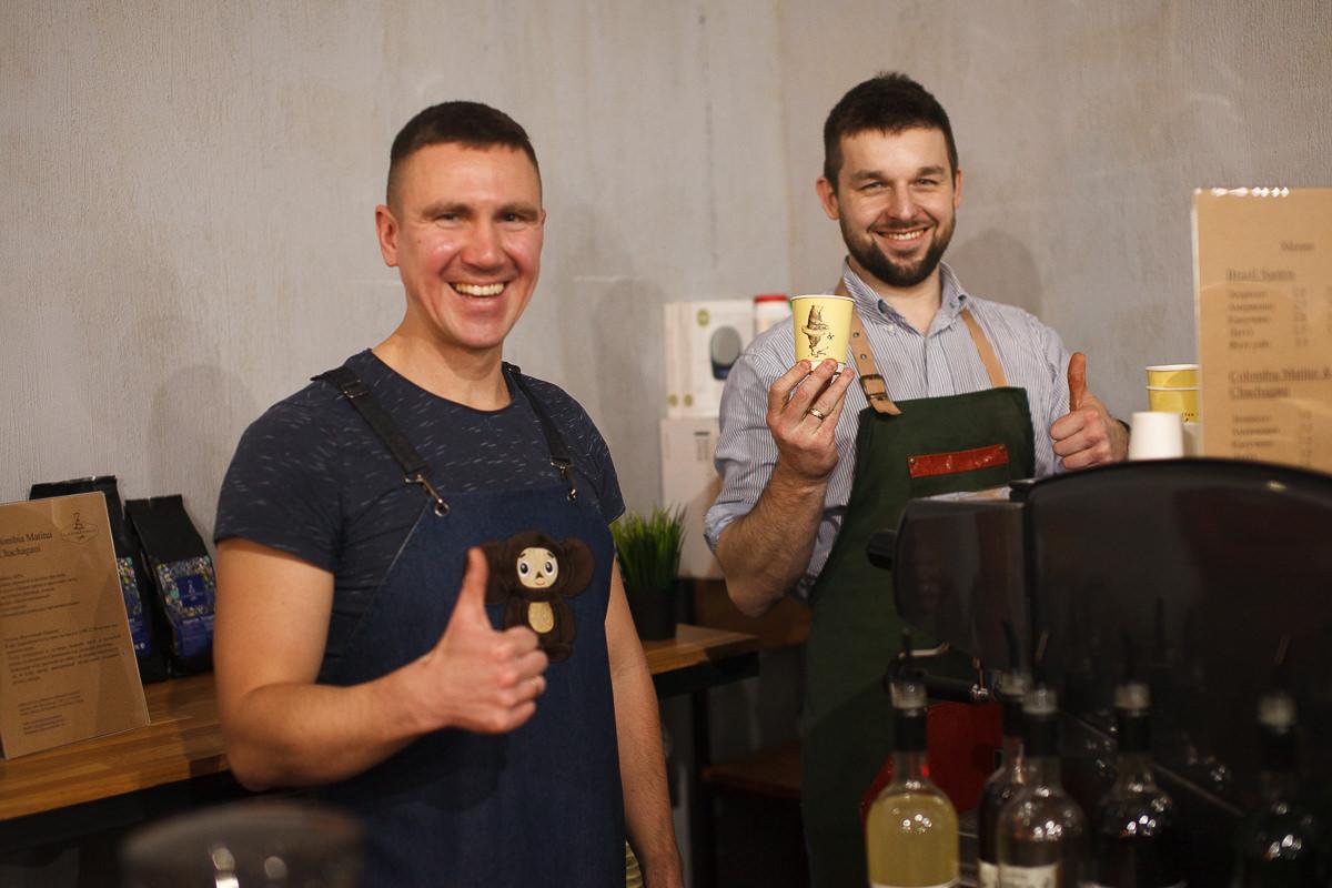 Бариста на фестивале шоколада и кофе в Минске