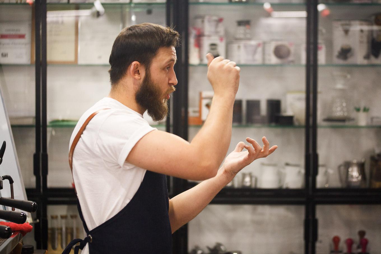 Александр Беницкий - чемпион Украины в категории Латте Арт, шеф-бариста CUSTOM COFFEE school